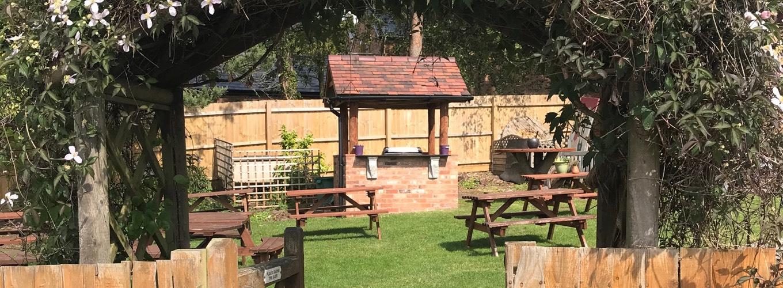 The Crown Claverdon - Outside Area